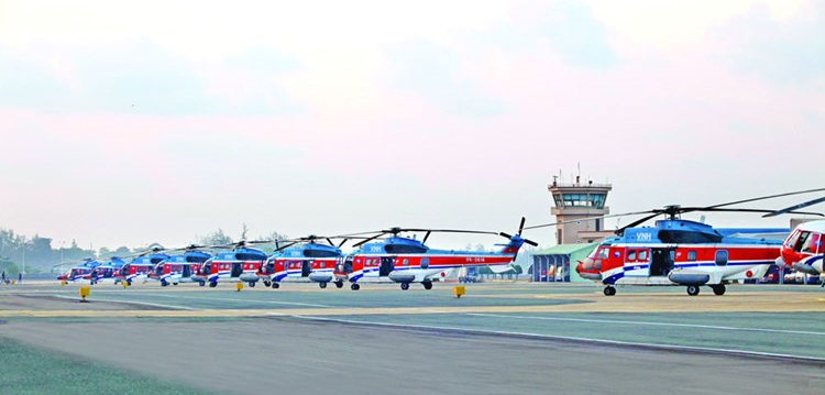 vietnam helicopters in serv