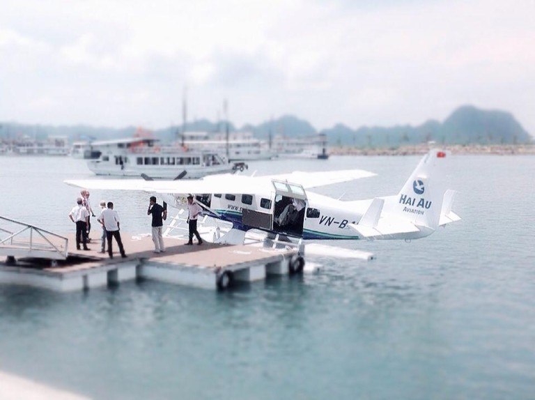 seaplane to halong bay