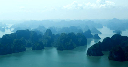 Helicopter tour to Halong Bay