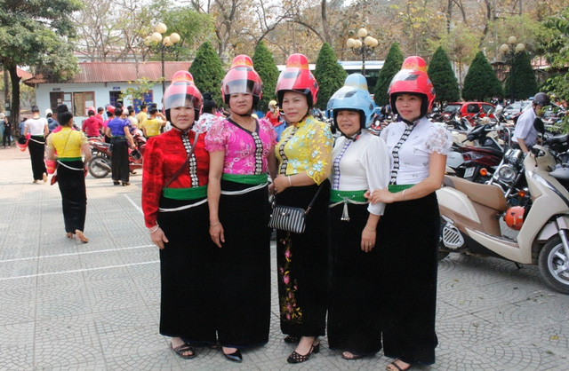 Helmets for the Black Thai Women