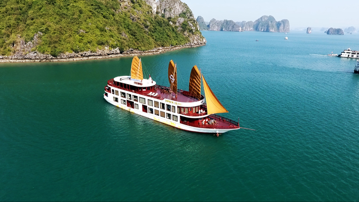 Emperor Cruise in Halong Bay