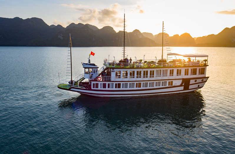 Lan Ha Bay Cruise Luxury runs Cat Ba Island and Halong Bay Tour